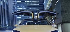 【テスラ モデルX】価格、特徴、乗り心地などをプロたちが徹底解説!