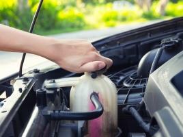 エンジンオイルの適正温度はどれくらい?油温が高いときの対策は?