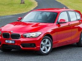 狙いは若いカップル?BMWに登場した300万円以下グレード…同価格帯のドイツ車は?
