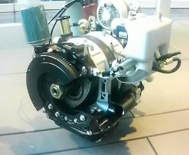 トヨタ製ロータリーエンジン