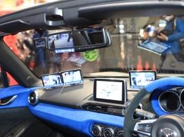 【東京オートサロン2018】ドラレコも2カメラの時代へ…データシステムの提案