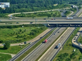制限速度は無制限!!世界で最も有名な高速道路「アウトバーン」