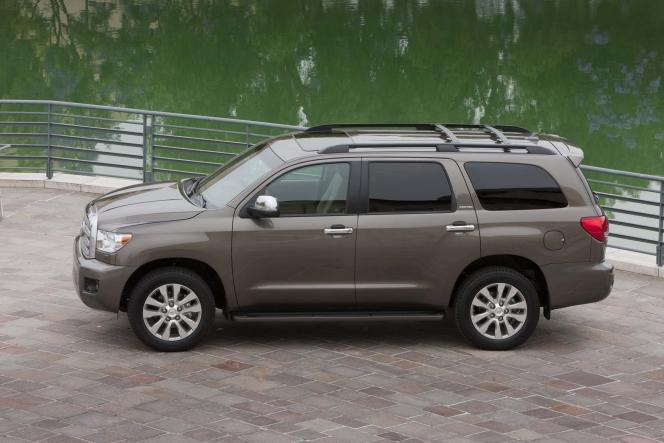 トヨタ セコイア 2010-2017