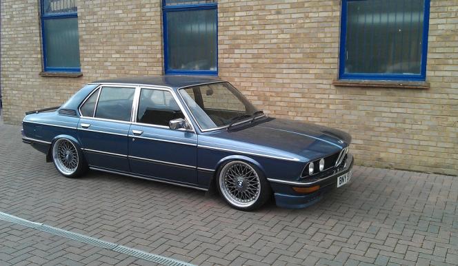 BMW 5シリーズ E12