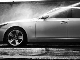 車を高く売る5つの方法。リセールバリューを保つには?