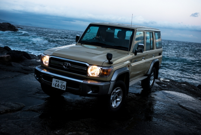 2015 Toyota Land Cruiser 70 Van