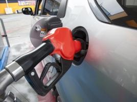レギュラーガソリン車でもたまにはハイオクを入れた方が良いって本当?
