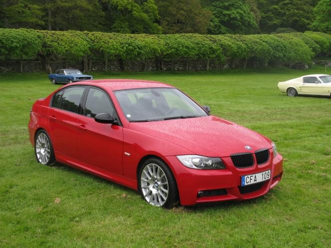 惚れ惚れするかっこよさ!BMW・3シリーズ