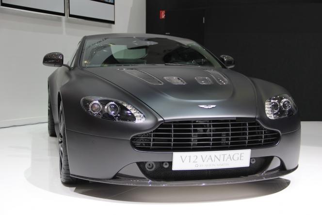 V12 ヴァンテージ