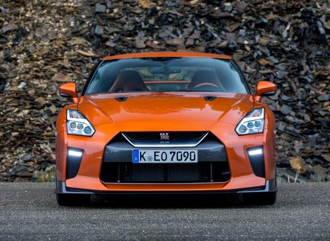 日産 GT-R バンパー