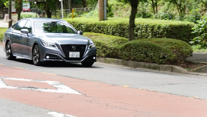 トヨタ クラウン RS 試乗
