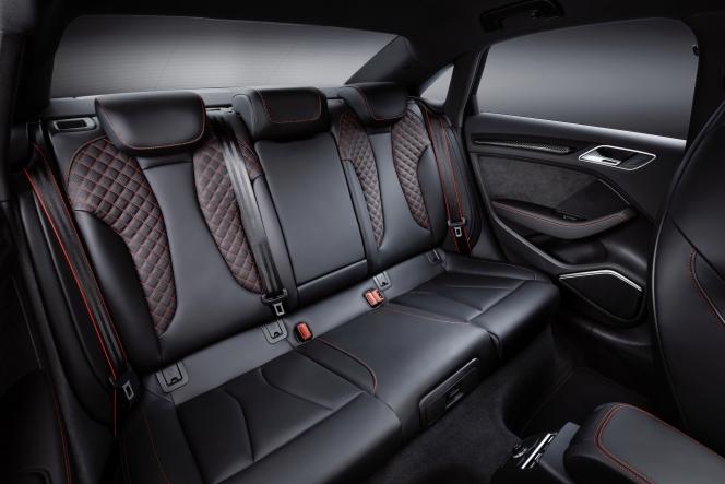 アウディ RS 3 セダン 2017