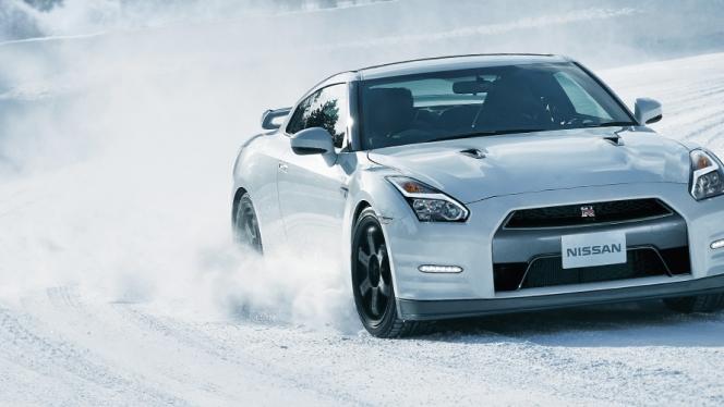 GT-R(雪道)