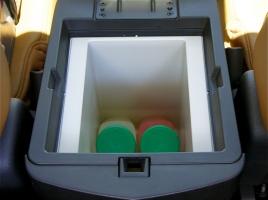 冷蔵庫、マッサージ…現代の車に装備したら売れそうなバブル期の変わった装備7選