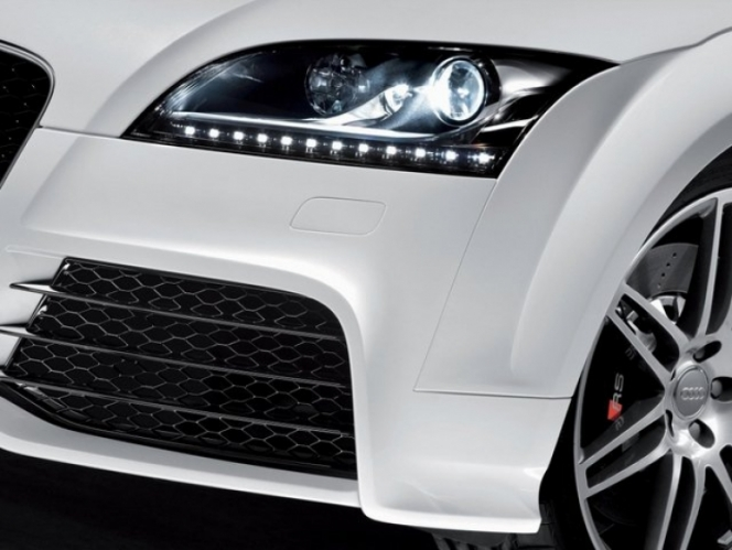 Audi TT RS ヘッドライト