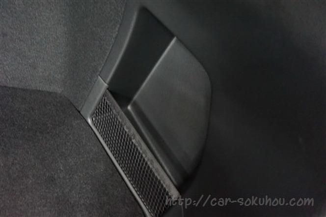 スバル レヴォーグ STI 2016