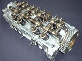 DOHCやSOHC、直噴エンジン…それぞれのメリットやデメリットとは?