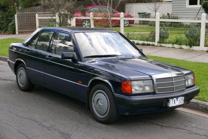 Mercedes-Benz W201 180E(camera:wikipediaosx)
