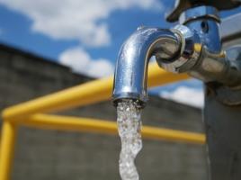冷却水の補充って水道水をいれてもいいの?