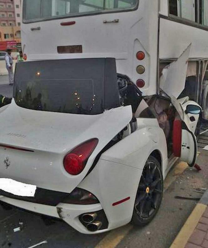 フェラーリ カリフォルニア 事故