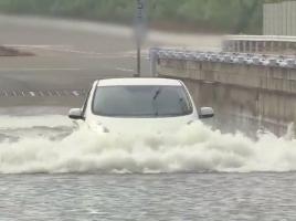 ハイブリッド車や電気自動車。水没したら感電する?