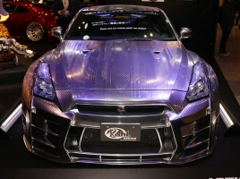 【東京オートサロン速報】これぞ「KUHL JAPAN」?!金銀揃ったR35 GT-Rの正体とは?
