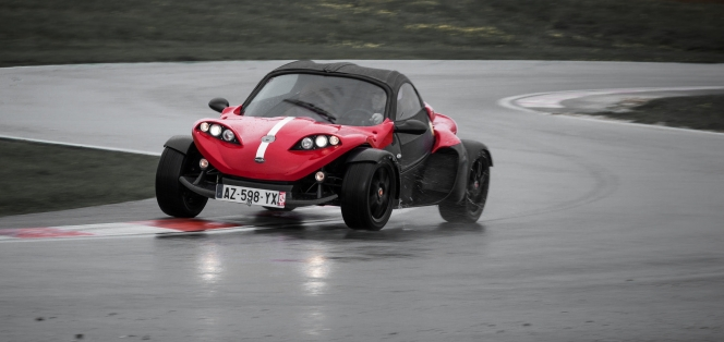 rain circuit(SuperCar-RoadTrip.fr)