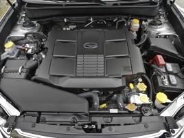 車のエンジンのオーバーホールで出力アップするのか?その効果と注意点