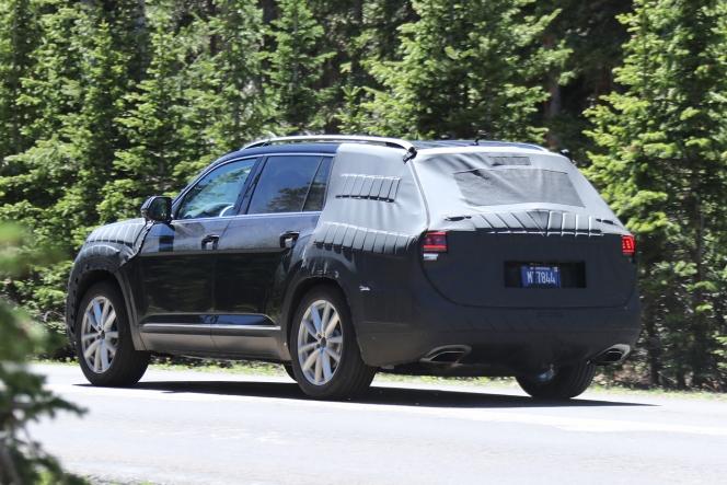 VW クロスブルー SUV 新型