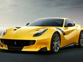 F12 ベルリネッタやR8等…ナビに従って狭すぎる道を通されるスーパーカー達!