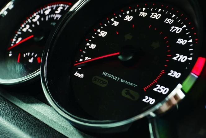アヘッド F1の技術を注入した 大陸横断型フレンチGT、メガーヌ ルノー メガーヌ エステートGTライン