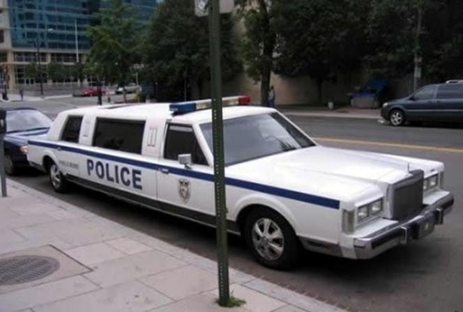 VIP専用のパトカー?