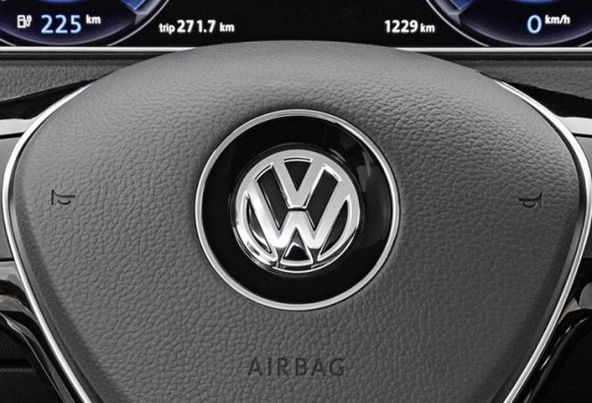 VW エンブレム