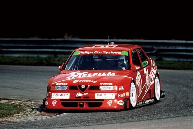 アヘッド アルファ ロメオ・155 レース