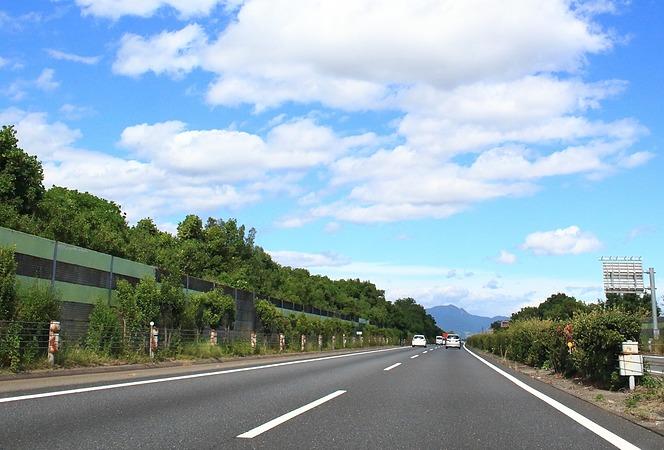 高速道路 追い越し