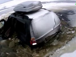 【絶対にマネをしないで下さい】悲劇!ジープが湖の底に沈んでしまう…。