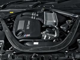 【BMW Mグッズプレゼント】かつてのGT-Rのターボ時代と今のMに搭載ターボは何が違うの?