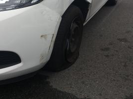 車の下になにか漏れていたら…?対処法は?
