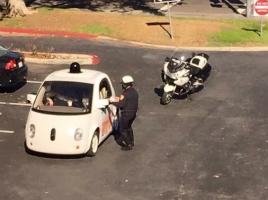 """一般道で""""低速度違反""""!?カリフォルニア警察に停められた車、理由は遅すぎた速度"""