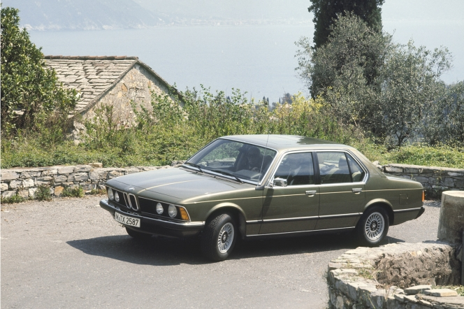 BMW 7series (first generation)