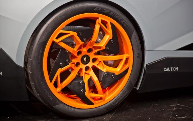 2013 Lamborghini Egoista Concept wheel