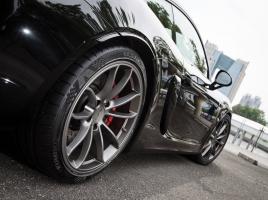 高速走行時のためにタイヤの空気圧を高めにする考えは古い?!現在の正しいメンテナンス法とは?