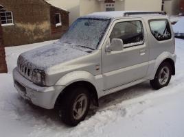 ジムニーやハスラー等…なぜ軽自動車は雪道に強いと言われるのか?その強さはどこからくる?