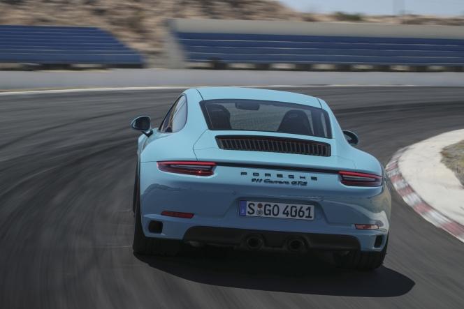 ポルシェ 911 カレラ GTS