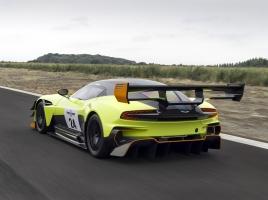 スーパーカーレースで走ったアストンマーティン ヴァルカンってどんな車?