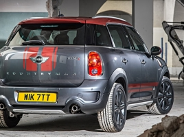 MINIクロスオーバー、特別仕様車にはどんな変化がある?
