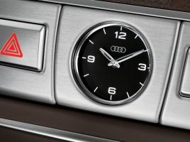 いろいろな高級車の時計をくらべてみた。