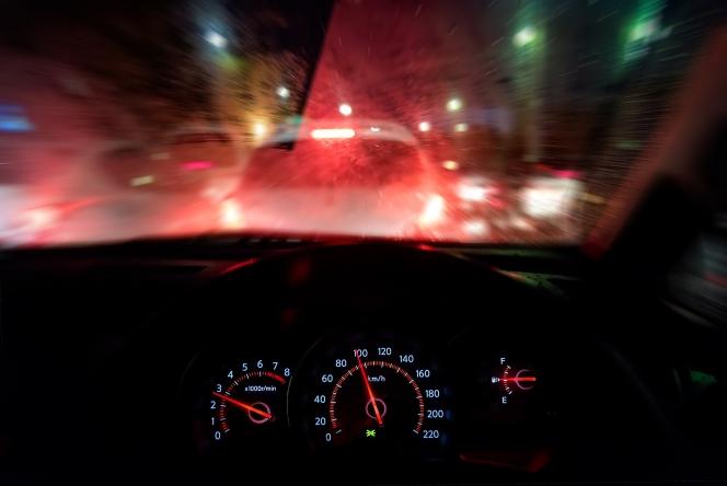 夜間 渋滞