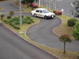 免許不要や免得取得に4年かかる国も?!日本より運転免許取得が簡単な国・難しい国