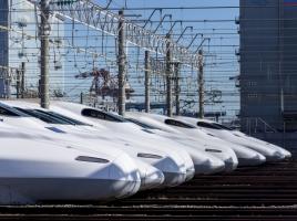 飛行機、電車、船…死亡率が一番高いのはクルマって知ってる?